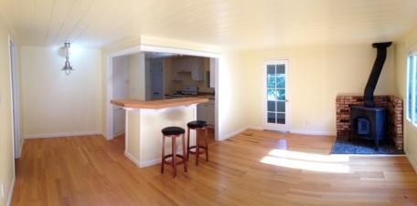 Living Room and Counter/Bar