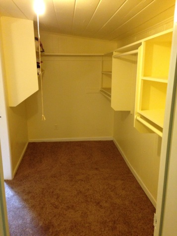 Walkthrough Closet